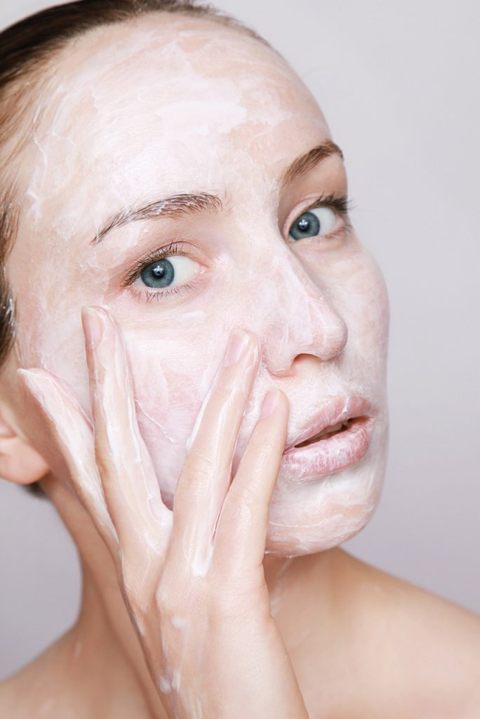How to Take Care of Face Skin in Winter – What You Need to Know